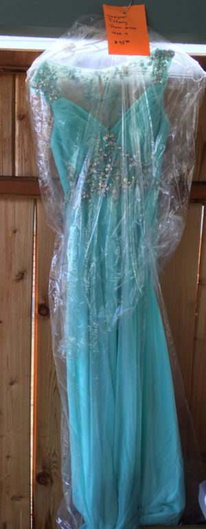 Tiffany Prom Dress size 3/4 for Sale in Cashmere, WA