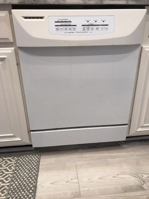 Fridge, stove, micro and dishwasher, KitchenAid fully matching appliance set, $450 FIRM for entire package, seller will help with moving and transpor for Sale in St. Pete Beach, FL
