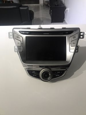 2014 Hyundai Elantra dvd and Navigation system. for Sale in Miami, FL