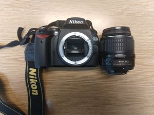 Nikon D60 with external flash - battery charger not working for Sale in Fort Lauderdale, FL
