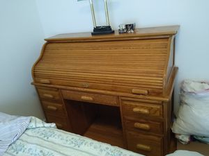 Beautiful oak Roll top desk with lamp for Sale in Bristol, CT