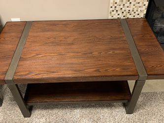 Coffee Table And Side Table for Sale in Dublin,  OH