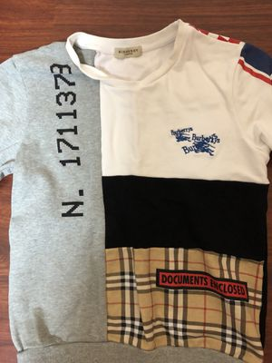 Burberry sweater small for Sale in New York, NY