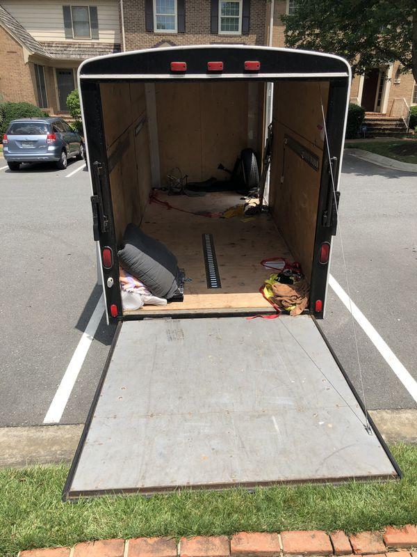 14' enclosed cargo trailer