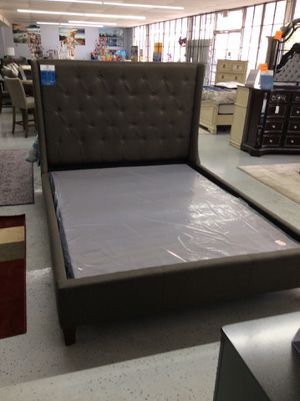 Queen patten bed frame for Sale in Mableton, GA