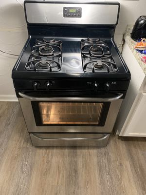 Used Frigidaire Stove $200 OBO for Sale in Cleveland, OH