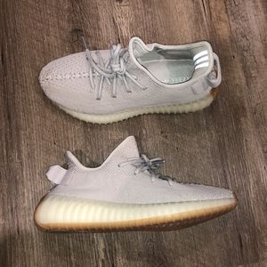 Adidas Yeezy Sesame Mens Size 7 NWB for Sale in Slidell, LA