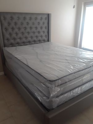 Pillow top queen size set $309.99 mattress and box spring only for Sale in Brandon, FL