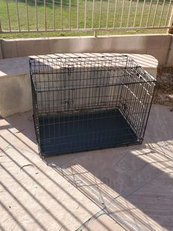 Double Door Dog Crate for Sale in Avondale,  AZ