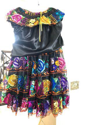Folklorico dressing for Sale in Rialto, CA