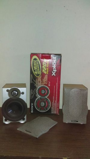 Two Energy speakers and one new sony speaker for Sale in Maricopa, AZ