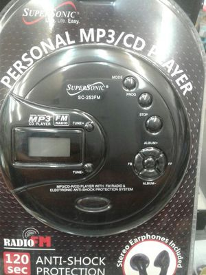 CD player mp3 con fm radio anti shock protection, for Sale in Los Angeles, CA