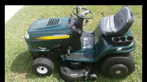 Craftsman riding lawn mower tractor for Sale in Tarpon Springs, FL
