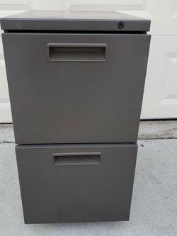 Metal 2 Drawer Filing Cabinet for Sale in Weston,  FL
