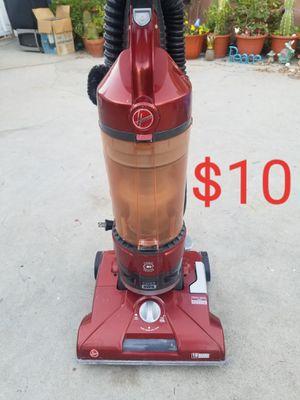 Hoover vacuum for Sale in Lakewood, CA
