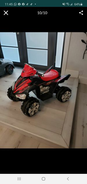 Power wheels ride on toy, for kids 3-7 years. Great condition, with charger,need battery for Sale in Fort Lauderdale, FL