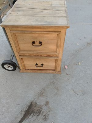 Free Mexican pine end table for Sale in Riverside, CA