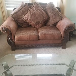 couch from Ashley furniture for Sale in Hesperia, CA