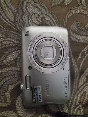 Nikon coolpix digital camera for Sale in Mission Viejo, CA