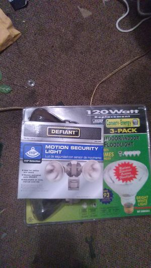 Flood light and bulbs for Sale in Tampa, FL