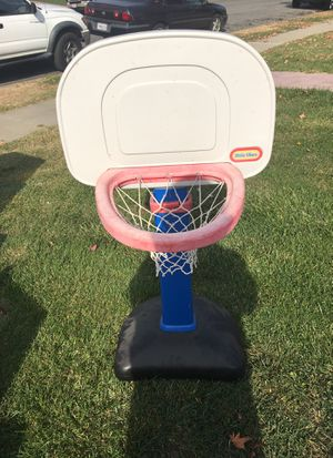 Adjustable basketball hoop for Sale in Union City, CA