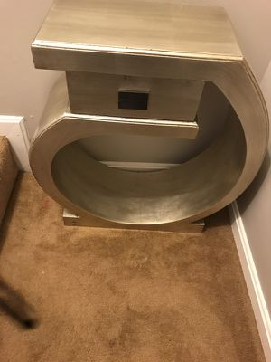Accent table for Sale in Baltimore, MD
