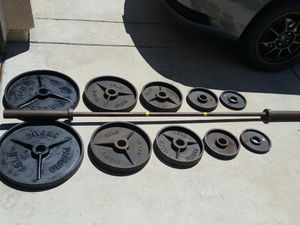 Olympic weights n gym bench for Sale in Canyon Lake, CA