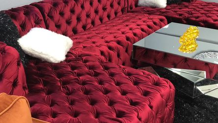 Red Velvet Tufted Double Chaise Sectional for Sale in Cleveland,  OH