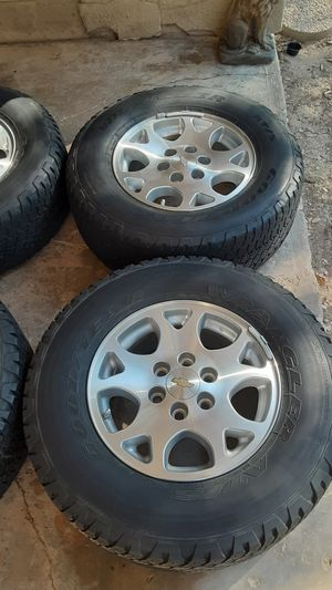 P265/70R17 tires and rims / llantas / tahoe / suburban / GMC / Chevy for Sale in Mesquite, TX