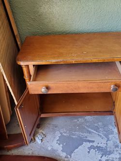 Matching Nighy Stand for Sale in Winter Park,  FL