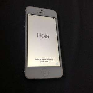 Apple Iphone 5 32GB Fully Unlocked for Sale in Los Angeles, CA