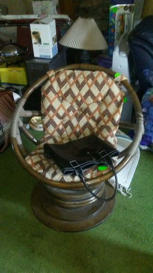 Antique bamboo rocking &360 degree rotating chair! for Sale in Bountiful, UT