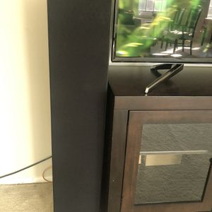 2 Klipsch Floor Standing Speakers for Sale in Bethesda, MD