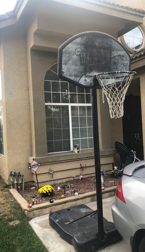 Basketball hoop for Sale in Montclair, CA