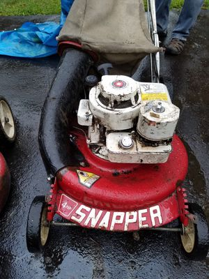 SNAPPER LAWN MOWER WITH BAGGER for Sale in Snohomish, WA