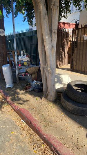 Free outdoor stuff- take today 5440 fountain for Sale in Los Angeles, CA
