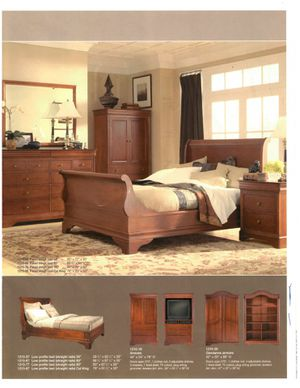 Heirloom by Shermag- King size bed frame for Sale in Tacoma, WA