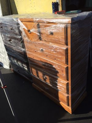 6 Drawers solid wood dresser for Sale in Garden Grove, CA