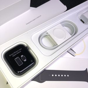 Apple Watch Series 5 44MM (Space Grey) Black sports band for Sale in Virginia Beach, VA