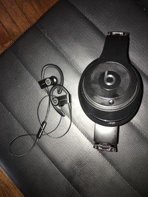 BLUETOOTH BEATS HEADPHONES LOT for Sale in Salem, MA