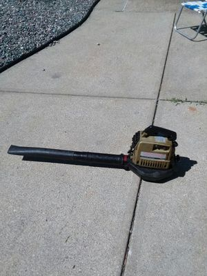 Leaf blower will run after you put gas lines at on it need the money desperately for Sale in Cleveland, OH