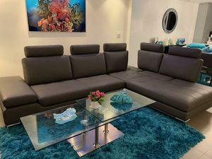Leather Sectional with removable headrest for Sale in HALNDLE BCH, FL