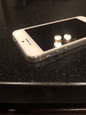 Like new iPhone 5 for Sale in Las Vegas, NV