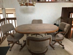 Kitchen table and chairs for Sale in Aurora, IL