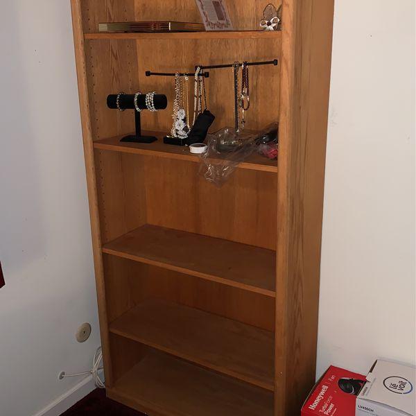 Bookshelves / Shelves