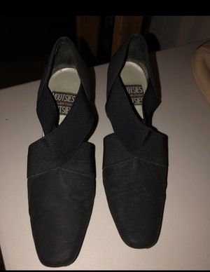 Womans Black Suede Heels 9.5M for Sale in S HARRISN Township, NJ