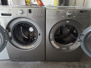 LG Silver Washer And Dryer for Sale in Austin, TX