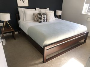 "King size 70""x80 with mattress for Sale in San Francisco, CA"