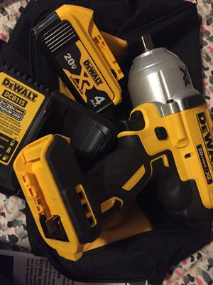 DEWALT 1/2 20V MAX* Cordless Impact Wrench DCF899 for Sale in Adelphi, MD