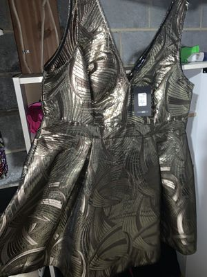 3X NEVER WORN!! Gold Dress! The Tag is STILL ON!! for Sale in Rahway, NJ